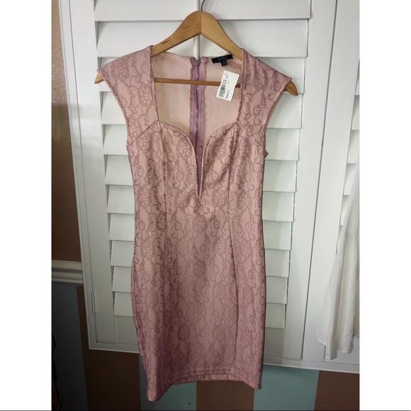 Privately privileged Dresses & Skirts - Body-con Flirty Flower blush Dress